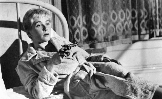 Leachmann in noir Kiss Me Deadly